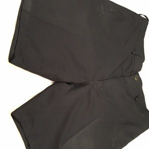 Haggar black size 40 golf shorts. 100% polyester